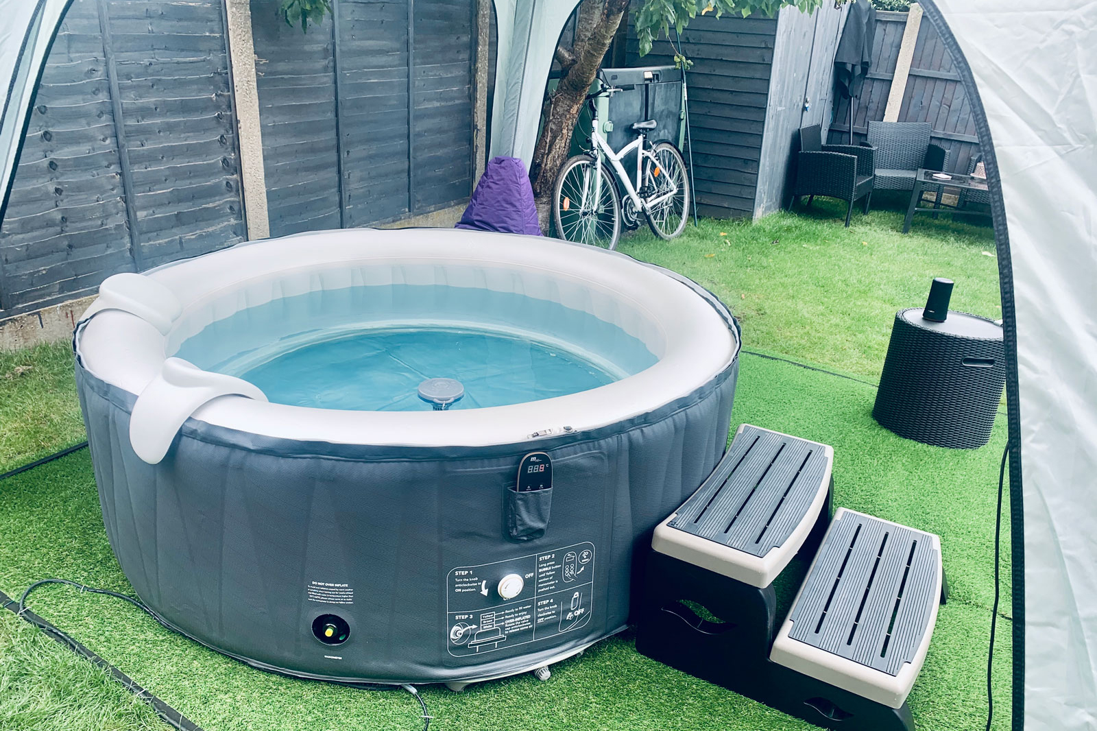 inflatable hot tub with steps